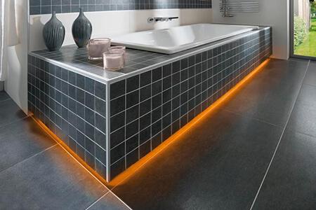 Technik: beleuchtete Badewanne HERGET